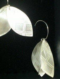 Boucles d'oreille feuilles quadrillées Argent Hélène Thomas Yol 2013 1
